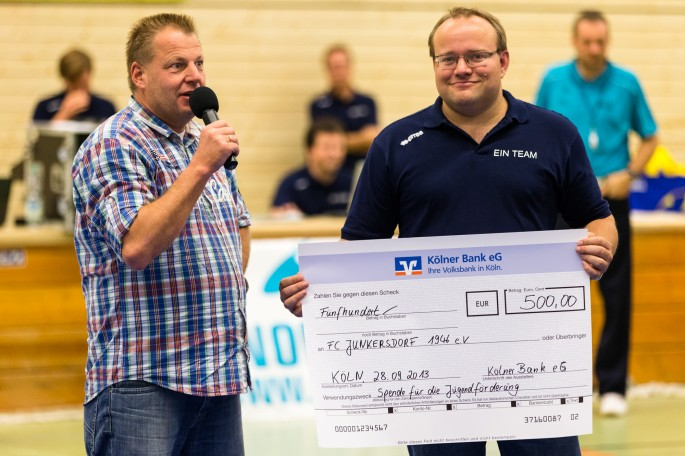 m-fotografie.de - DSHS SnowTrex Köln erhält Spende der Kölner Bank