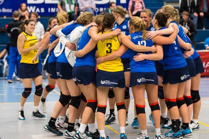 USC Münster 2 bei den DSHS SnowTrex Köln-Volleyballerinnen (Foto: Martin Miseré)