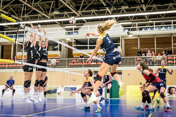 Gab ein tolles Debüt bei den Zweiliga-Volleyballerinnen vom Team DSHS SnowTrex Köln: Das erst 16-jährige Eigengewächs Viki Dörschug (Foto: Martin Miseré)
