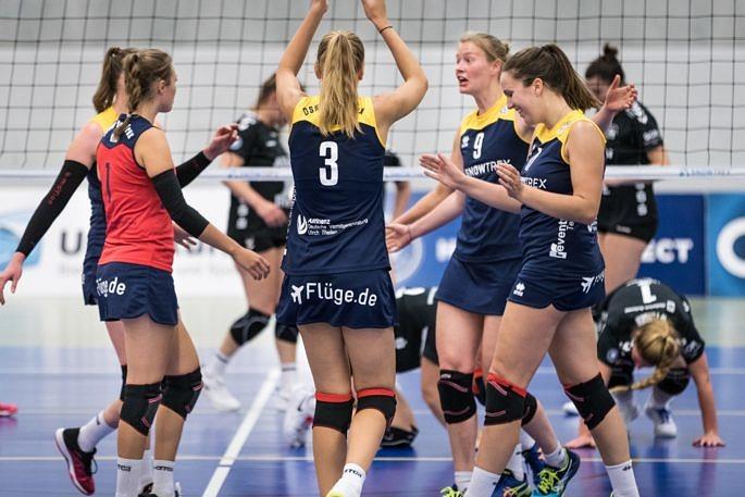 Würde am kommenden Samstag gerne ein zweites Mal gegen Essen jubeln: Das Volleyballteam DSHS SnowTrex Köln (Foto: Martin Miseré)