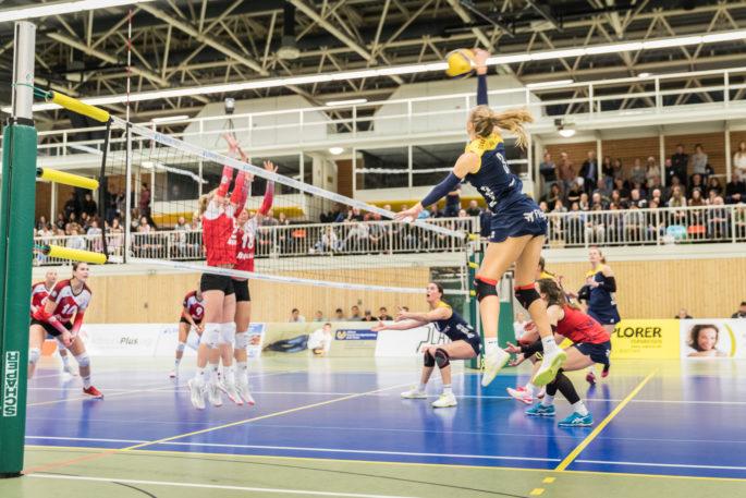 Bekam nach einer starken Partie zu Recht die MVP-Medaille auf Kölner Seite: Außenangreiferin Viktoria Dörschug (Foto: Martin Miseré)