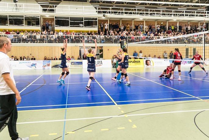 Hat seinen Fans vor zwei Wochen im Rheinderby eine packende Partie geliefert: Das Volleyballteam DSHS SnowTrex Köln (Foto: Martin Miseré)