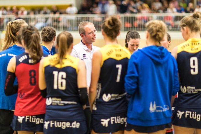 Konnte in den letzten Wochen kadertechnisch nicht immer aus den Vollen schöpfen: Kölns Trainer Jimmy Czimek (Foto: Martin Miseré)